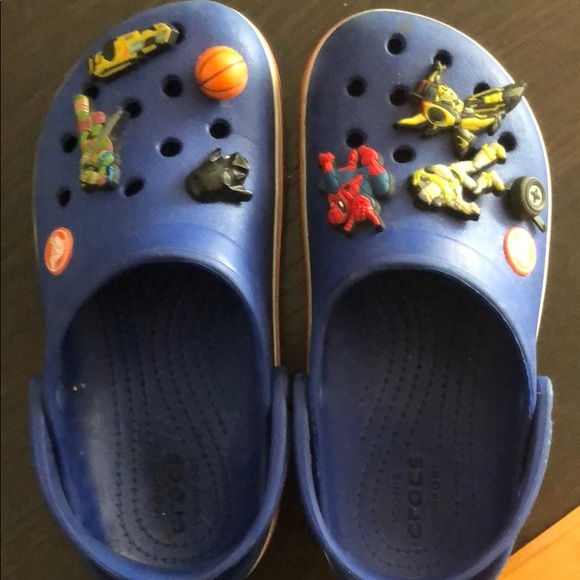 CROCS Shoes   Child Crocs With The Pins
